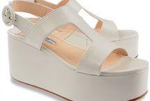 Elegant Feet... / adoro sapatos, botas, sandálias... tênis / by Gigi Oki