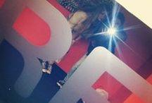 """Spiegel Foto's @ Fred & Douwe / Het is schijnbaar heel populair om een foto van jezelf te maken in de spiegel, zo kwamen we op o.a Instagram heel veel foto's tegen van onze """"FRED & DOUWE spiegel"""" in de kelder in Doetinchem! We hebben ze maar even op dit board bij elkaar gezet. Er zijn er vast nog veel meer... Tag ze dan met #fredendouwe -"""