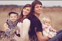 Family first last and always / Great family photo outfits ideas props and themes for family photo sessions