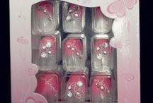 Stick on nails / A variety of stick on nails to choose from, all with 3D designs