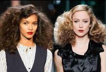 Du volume dans les cheveux / Tous les coiffants pour un maximum de volume !