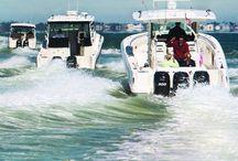 Boston Whaler Boats / The Unsinkable Legend