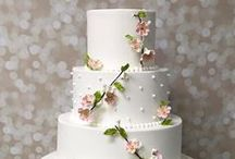 Wedding Cakes & Sweets / Delicious, beautiful wedding cakes and other tasty treats you'll want to try at your wedding!
