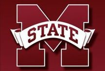Mississippi State Bulldogs / Hey go state!  Get your maroon and white on with officially licensed MSU fan blade covers from Fan Blade Designs. They'll keep your ceiling fan clean and your spirit sky high.  Show off your loyalty to the 'Dogs with a set of Mississippi Fan Blade Designs today!