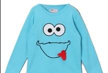 Sistersco / Na začátku byl sen. Sen dvou sester prodávat dětské oblečení vlastní značky. Ten sen se splnil a vy máte nyní možnost se stát jeho součástí za pomoci barevných oblečků a šperků značky SistersCo.
