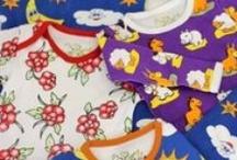 Biowolk / Biowolk je značka dětského oblečení s jedinečnými, barevnými a zábavnými vzory ve velikosti 0 až 7 let. Biowolk miluje děti a pečuje o životní prostředí. Proto firma používá jen 100 % certifikovanou organickou bavlnu a celý proces výroby je Fair Trade.