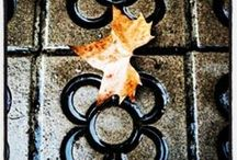 Autumn in Barcelona / Barcelona streets covered with leaves... isn't it beautiful? // Las calles de Barcelona cubiertas de hojas... què belleza, ¿no os parece? // Els carrers de Barcelona coverts de fulles... No ho trobeu genial?