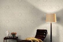 Tapet - Atria / Tapetul reprezinta un element de decoratiune definitoriu pentru atmosfera caminului tau. Varietatea culorilor, modelelor si texturilor prin care se caracterizeaza oferta de tapet Atria permite crearea unei ambiante speciale in locuinta ta.