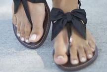Shoes and boots / Avec ou sans talons, chic ou décontractés....je les voudrais toutes dans mon dressing !!