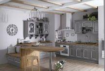 In the kitchen / Un endroit qui serait le coeur de la maison. Elle serait spacieuse et fonctionnelle, jolie et agréable, en couleur ou uniforme, ancienne ou moderne.... un vrai plaisir pour y cuisiner et y recevoir ses amis.