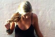 Les robes noires - Black dresses / Indispensables dans un dressing, longues ou courtes,  elles se déclinent de différentes façons, version chic ou plus soft, les robes noires me font craquer....