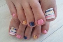 nails / by Maggie Cruz