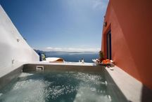 Chroma Suites, Santorini / Nestled in the village of Oia Santorini, lies Chroma Suites (the ex-Lenas House cave settlement). This traditional settlement has been famous for many years to almost every visitor of Oia due to its architecture and its unique colour (chroma in greek) from which its name was inspired.
