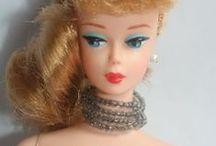 Barbie babáim / My Barbie dolls / Saját barbie babáim, akik modellkednek a butikban:)