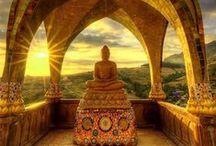 TOUR TA - Thailandia, Laos e Cambogia / La magia del sud-est asiatico: Scopri la caotica e seducente Bangkok e il pacifico nord della Thailandia, raggiungi il Laos navigando il fiume Mekong e infine ammira la magnificenza di Angkor Wat in Cambogia.