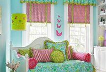 Bedrooms... / Beautiful Bedrooms ;) / by misti stricklin
