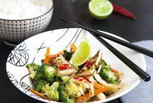 Äta: Asiatiskt. / Noodles. Rice. Spicy. Tofu. Sushi.