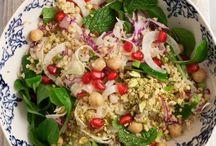 Äta: Sallad. / Lettuce. Rocket Salad. Fruits. Vegetables. Dressings. Cheese. Delicious.