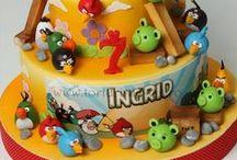 Αngry birds cakes , cup cakes