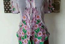 Dahlia Fashion & Accessories / Surround yourself in beautiful dahlias.