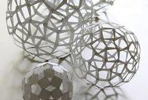 3D Design / Det tredimensjonale uttrykk i mange ulike materialer og former