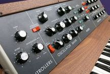 Synthesizers, Sequencers and Samplers / Digital, analogue and modular synthesizers