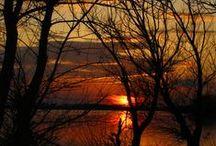 A Thousand Splendid Suns / Beautiful views of the setting and rising sun