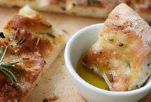 Herzhaftes Gebäck / Von der knusprigen Käsestange bis zur köstlichen Focaccia findet ihr hier Rezepte für Leckeres und Herzhaftes aus dem Ofen, der Pfanne oder vom Grill.