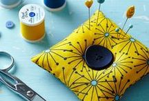 Easy Pincushions / Looking for a stylish way to store your pins? We've got you covered. Get more pincushion patterns at http://howtosew.com/tag/pincushion!