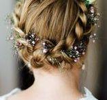 Frisuren der Braut / Hier zeigen wir euch Frisuren der Braut für den Tag der Hochzeit