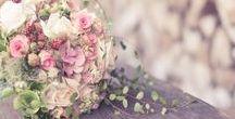 Schöne Blumensträuße / Schöne Sträuße und Arrangements aus Garten- und Wiesenblumen