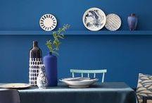 Bleu indigo / Puissant et chic, le bleu indigo fait son grand retour dans vos intérieurs. Laissez-vous charmer.