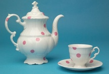 i have a thing for cups and teapot