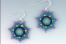 Beaded Earrings Projects / Focuses on basic beaded earring making techniques and different materials for beaded earring projects.