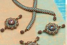 Beading Tutorials & Resources / Find the beading resources you need to master your next beaded jewelry project.  Great beading techniques, ideas, and projects for all levels of beaders to enjoy!