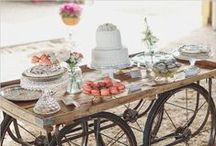 Desserts tables / by Lidia Márquez