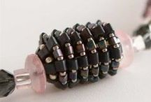 Beaded Beads / This is perfect place to find beaded beads patterns and tutorials for any beading enthusiast.