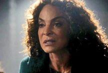 JASMINE GUY / Jasmine Guy as Sheila Bennett
