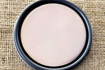 Chalk Paint® Antoinette / Old fashioned roses and the color of old plaster. This is a soft pale pink with a hint of brown in it so the pink is not too sweet.