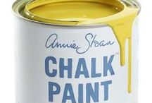 Chalk Paint® English Yellow / This clean yellow was particularly popular in English 18th Century decoration inspired by hand painted Chinese wallpaper and the development of Chrome Yellow pigment. It was the first non earthy yellow and a first would be very expensive. In the 1950s this yellow became popular as a strong primrose. It can be mixed with Antibes Green to make lime green.