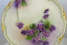 VIOLETS / by Susan Hutchings