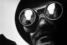 Eugene Smith / William Eugene Smith, connu sous le diminutif familier de « Gene Smith » ou encore comme « W. Eugene Smith » (né le 30 décembre 1918 à Wichita, Kansas - mort le 15 octobre 1978 à Tucson, Arizona), est un photojournaliste américain, dont la rigueur et l'exigence en ont fait un modèle pour des générations de photographes, attachés à la valeur du témoignage que permet la photographie.   / by Brigitte Raison