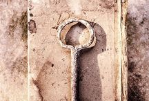 K E Y S  / Locks or the process of unlocking