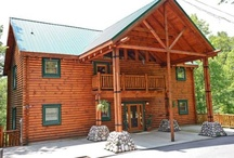 """Swimming in the Smokies Cabin / """"SWIMMING IN THE SMOKIES""""                  $450 to $850 per night   """"Swimming in the Smokies"""" features 4 luxurious king suites, each complete with private Jacuzzi tub in the bedroom, large vanities,  private bathroom with shower & mounted hair dryers, walk-in closet, & TV w/satellite & DVD.  When you escape to our upscale chalet, you will feel like you are nestled away deep in the woods, but you are just a 10-15 minute walk to Downtown Gatlinburg!"""
