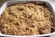 crumble + hot pudding