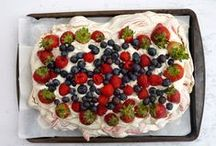 meringue / a gluten-free vehicle for all the cream + fruit.