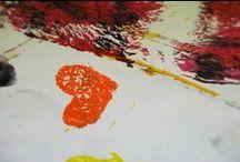 """DIFFERABILITY / """"DifferAbility"""" è un progetto dell'Associazione Eclettico Milanese che vuole sottolineare l'importanza dell'inclusione attiva nella società e la piena partecipazione dei cittadini disabili, seguendo modalità capaci di coinvolgere il pubblico in modo attuale e piacevole.  L'intervento è avvenuto nell'aula del Biennio di secondo livello in Teoria e Pratica della Terapeutica Artistica dell'Accademia di Belle Arti."""