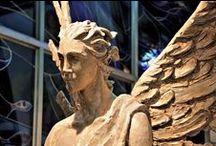 Grabengel / Bei uns finden Sie hochwertige & stilvolle Grabengel aus Meisterhand, egal ob Bronze, Marmor oder andere Materialien. Info unter: http://www.serafinum.de/Engel-Figuren