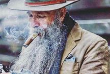 FAMOUS CIGAR SMOKERS / Famous cigar smokers