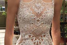Ball/evening dresses
